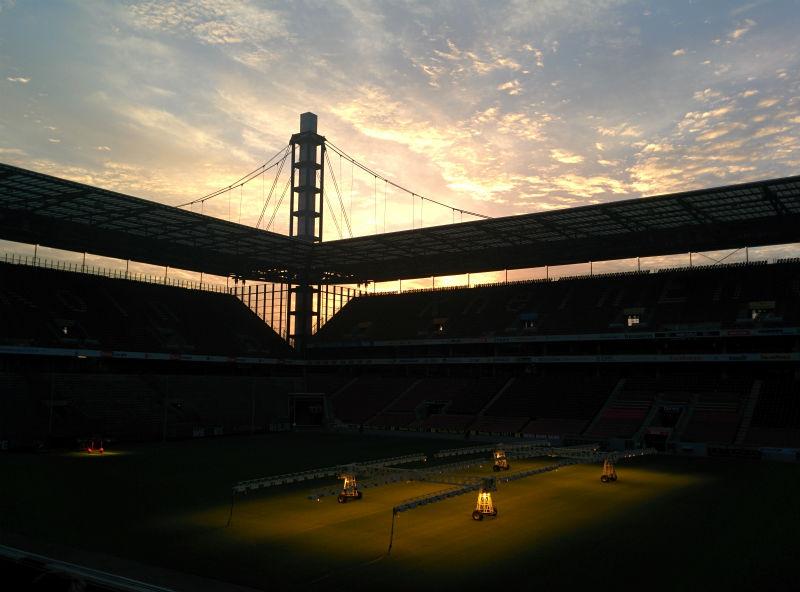 Rheinenergie Stadion am Abend