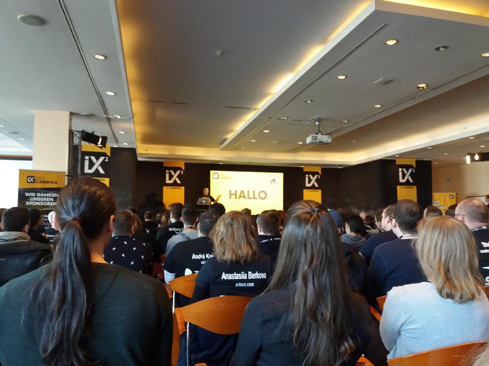 Marco Janck begrüßt die Teilnehmer der SEO Campixx 2018
