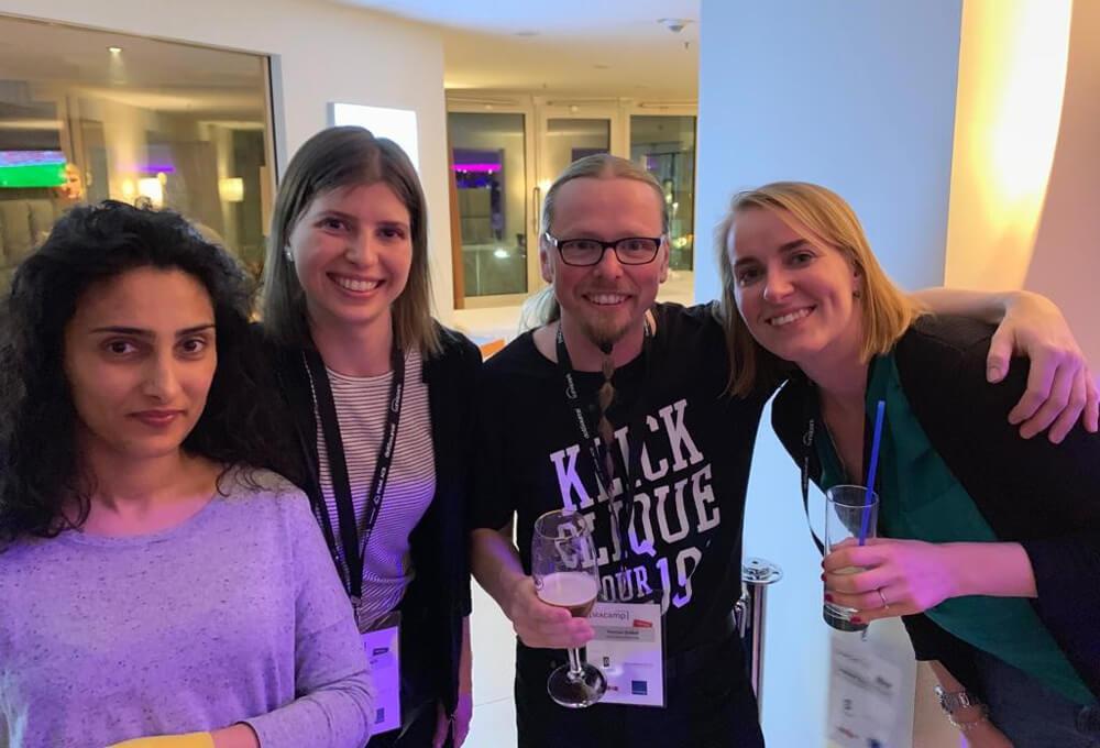 Nadia, Irina und Alex mit Veranstalter Thomas Grübel auf dem SEAcamp 2019 in Jena