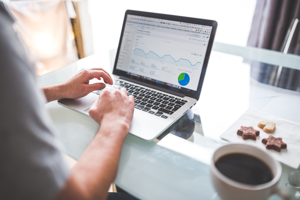Daten Analyst und Chief Data Officer – Wen braucht mein Unternehmen für die Webanalyse?